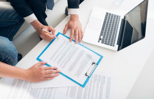 How to perform a background check on an employee